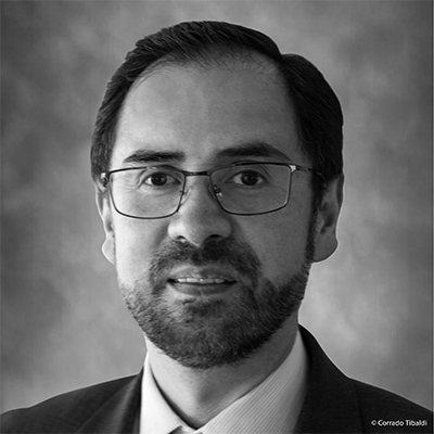Dr. Hernando Nieto